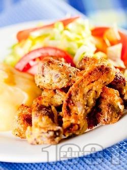 Вкусни панирани пилешки воденички в яйца, царевично брашно и галета - снимка на рецептата